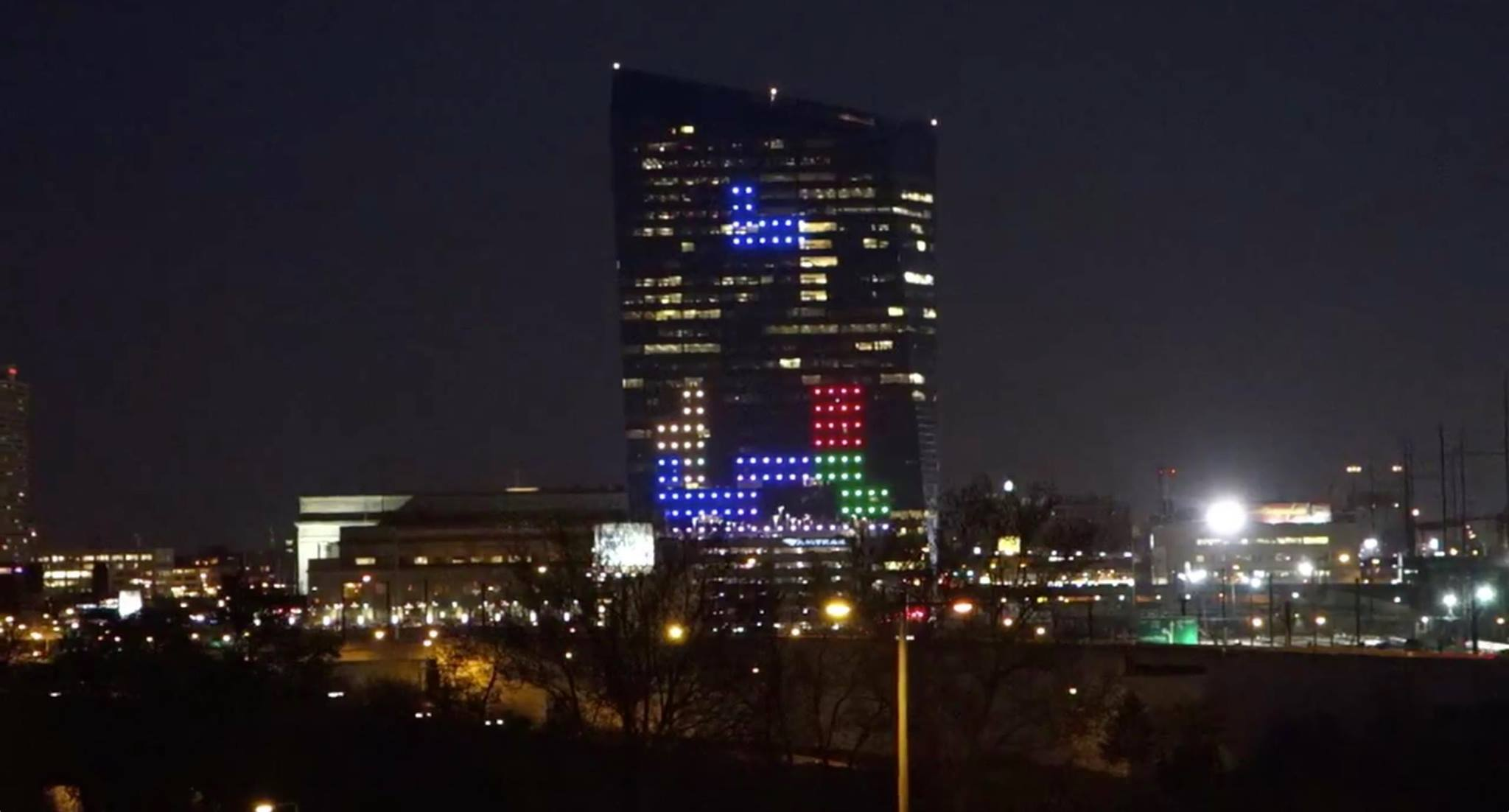 Watch Tetris Being Played on the Side of a Skyscraper in Philadelphia